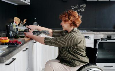 Infographie : quelles aides au quotidien quand on est atteint de la maladie de Parkinson ?